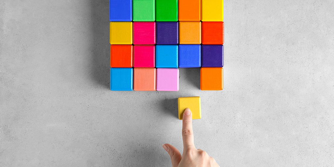 カラー戦略TOP